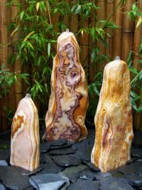 3 Quellstein Monolithen gechliffener Onyx 90cm1