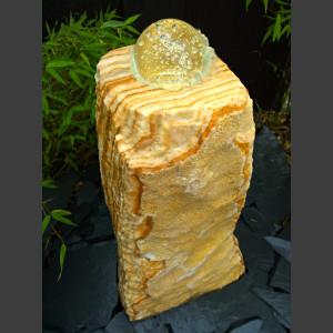 Onyx Quellstein Monolith mit drehender Glaskugel 10cm
