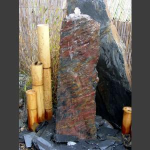 Schiefer Monolith Quellstein rotschwarz 75cm1