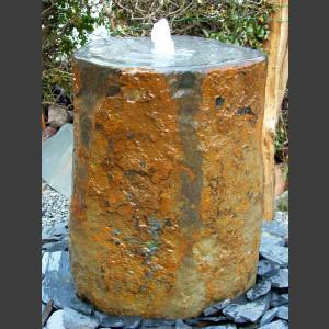 Quellstein Brunnen ausgehölte Basaltsäule 100cm1