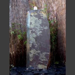 Schiefer Monolith Quellstein  lila 120cm