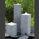 3 Obelisken Brunnenset grauer Granit viereckig 50cm