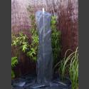 Schiefer Monolith Quellstein  grauschwarz 120cm hoch
