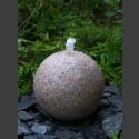 Granit Kugel Sprudelstein rot 30cm