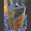 Bronze Figur Singvogel sitzend auf Basaltsäule