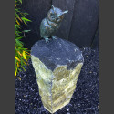 Bronze Figur Waldohreule auf Basaltsäule