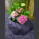 Basalt Blumenkübel Pflanzstein