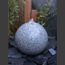 Granit Kugel Sprudelstein grau poliert 30cm