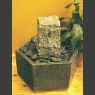 Zimmerbrunnen viereckiger Granit in Granitbecken