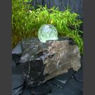 Belgisch Granit Quellstein mit drehender Glaskugel 15cm