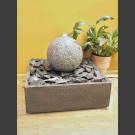 Zimmerbrunnen Granit-Kugel 30cm in 4eckigem Granitbecken