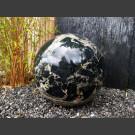 Marmor Kugel schwarz mit weißen Adern, poliert, 40cm