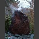 Riesiger Lava Nebler Quellstein 110cm