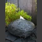 Basalt Kugel Quellstein 45cm
