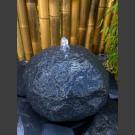 Basalt Kugel Quellstein 30cm