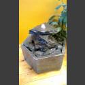 Fontaine d'intérieur set Cascade gris-noire en bassin de granit hexagonal