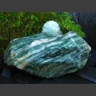Pierre á Fontaine Rocher Laponie vert avec rotative boule en Laponie vert 12cm