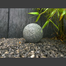 Boule en granite gris 20cm
