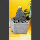 Fontaine d'intérieur set schiste gris-noir  en bassin de granit hexagonal