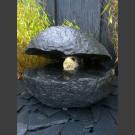 Bronsteen Compleetset Basalt oester met rotierende glas bal